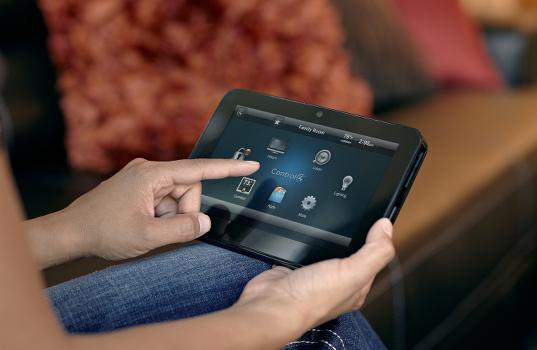 control4_domotica_tramite_tablet